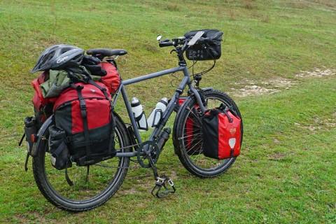 Tourenrad Schraegansicht mit notstrøm von www.biketour-global.de