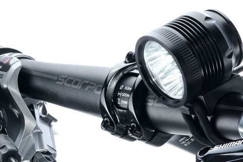 ØM3 led bike light on handlebars