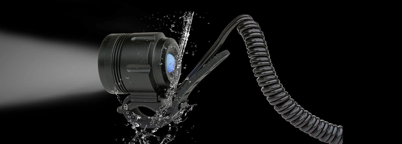 ØM3u mit Spiralkabel und Wasserspritzer