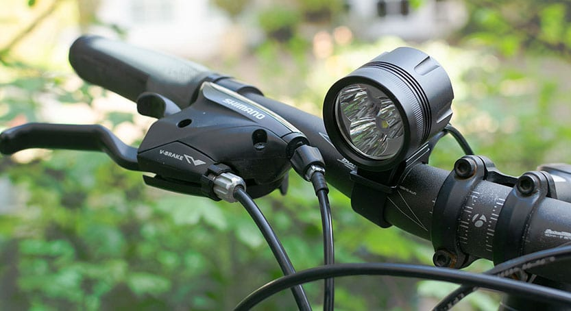 ØM3 bike lamp on handlebars